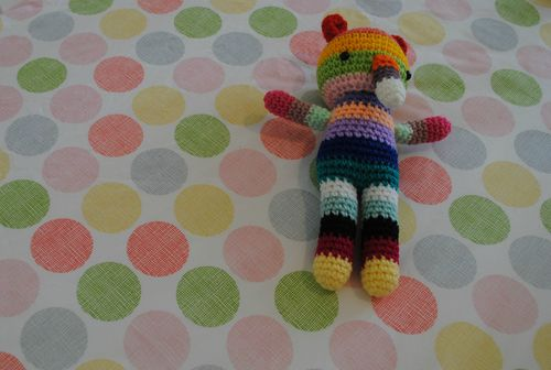 Fitted cot sheet tutorial - little stuffed toy