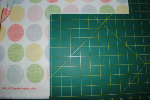 Fitted cot sheet tutorial - cut out corners
